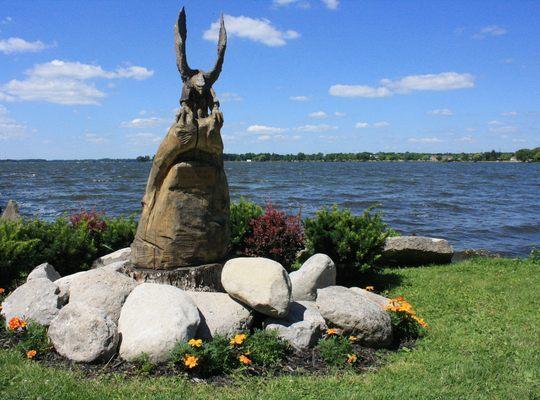 Sculpture – Eagle on Lake Cadillac