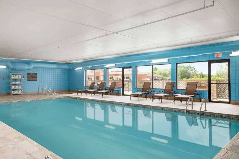 hampton indoor pool