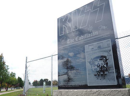 Monument – KISS Monument